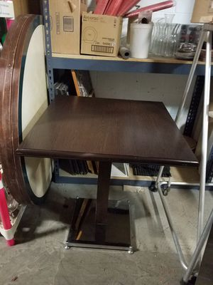 Nice 27.5 x 27.5 espresso wood grain top table w/chrome base for Sale in Bellwood, IL