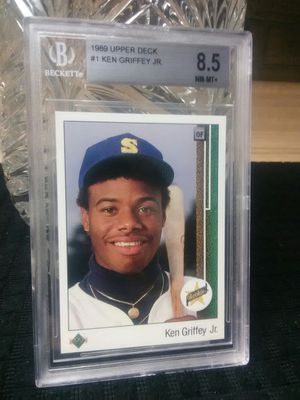 Griffey Jr 1989 Upper Deck #1, 8.5 Rookie and Set for Sale in Greensburg, PA