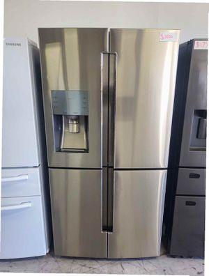 Samsung Fridge 28.1 cu French Door Refrigerator in Stainless Steel for Sale in Stanton, CA