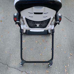 Peg Perego Siesta High Chair in Licorice for Sale in Los Angeles, CA