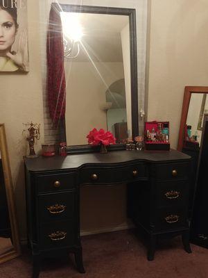 Vintage vanity desk and mirror for Sale in San Antonio, TX