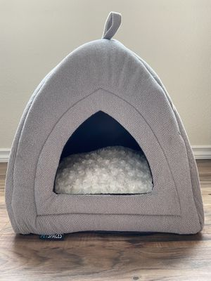 FREE Cat/ Dog Tent Bed for Sale in Vancouver, WA