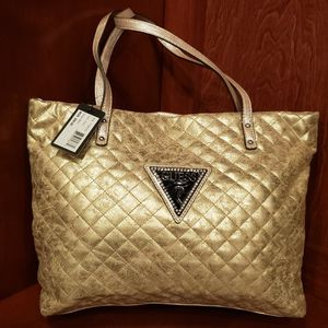 Guess Hand Bag for Sale in Clovis, CA