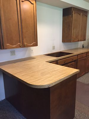 PENDING PICKUP....FREE Wood Cabinets and Counters for Sale in Tacoma, WA