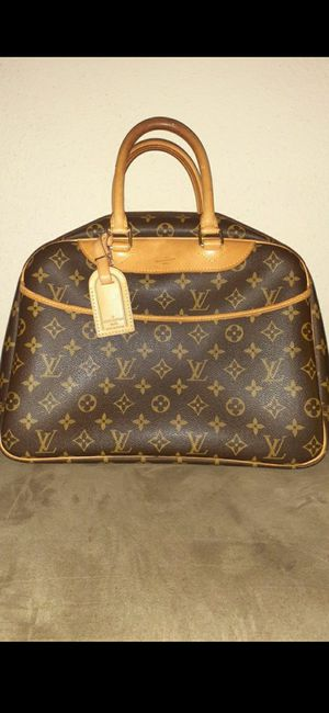 Authentic Louis Vuitton Deauville and Wallet! Ask any Questions and you can have it authenticated date code is NO0959 for Sale in Houston, TX