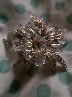 Sarah Conventry Brooch for Sale in Sacramento, CA
