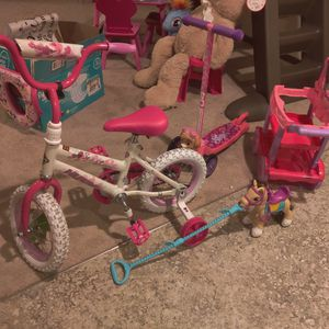 Girl Kids Toys, Bike Diapers, Table for Sale in Everett, WA