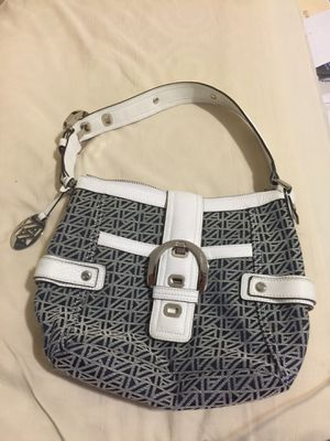 Anne Klein pocket book/ handbag for Sale in Santa Maria, CA