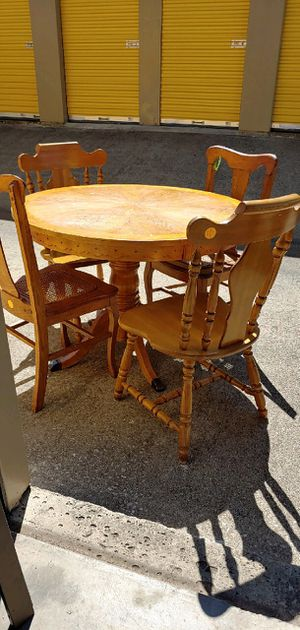Chair & table for Sale in Mansfield, TX