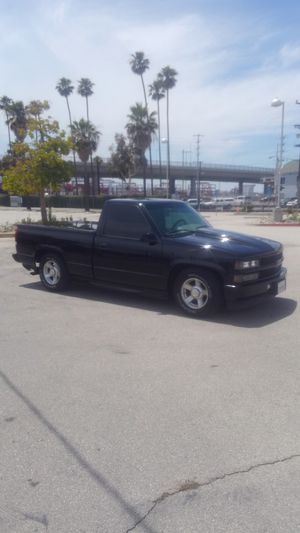 95 Chevy Silverado v8 single cab short bed for Sale in Long Beach, CA