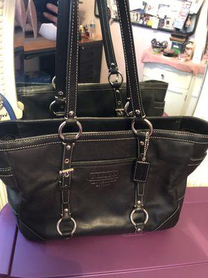Coach shoulder bag for Sale in Florissant, MO
