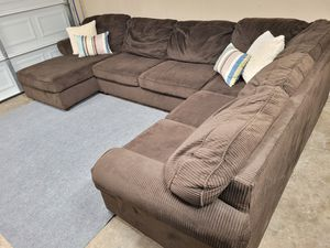 Excellent large brown sectional couch for Sale in Renton, WA