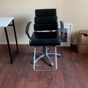 Adjustable Salon Chair for Sale in Walnut, CA
