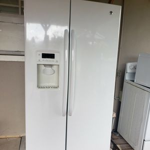 White GE Kitchen Appliances Pkg for Sale in Naples, FL