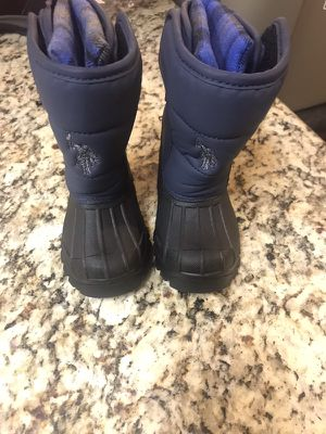Snow boots For Kids for Sale in Redwood City, CA