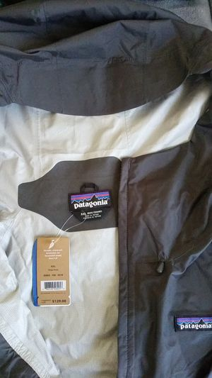 Patagonia mens xxl windbreaker for Sale in Oakland, CA