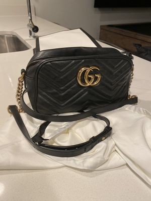 Gucci Marmont Small Shoulder Bag for Sale in Fort Lee, NJ