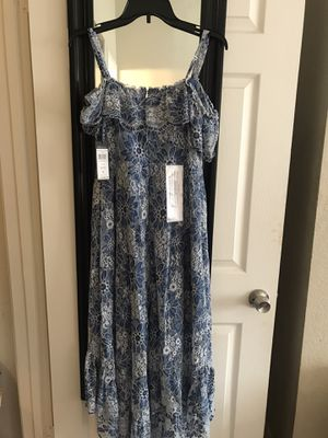 Woman maxi dress for Sale in Bloomington, CA