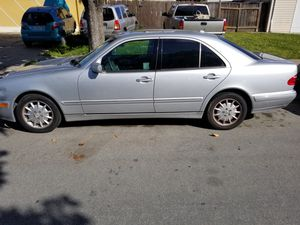 00 Mercedes e320 for part for Sale in Salinas, CA