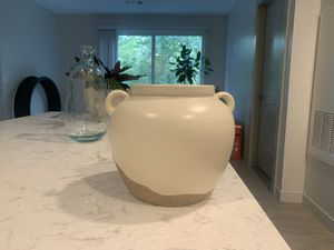 Plant pot for Sale in Woburn, MA