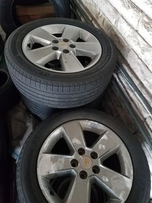 5 lug OEM chevy equinox rims an tires 18' for Sale in Oceanside, CA