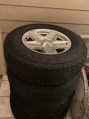 >900miles Bridgestone tires / jeep(gladiator) wheels /245/75R17 for Sale in Houston, TX