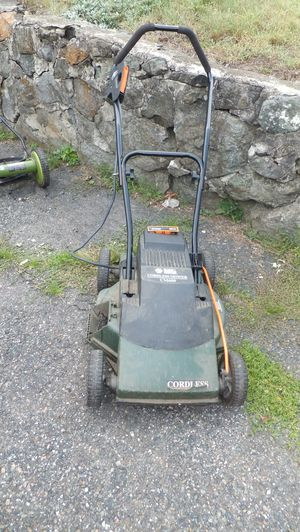 Black and Decker Electric Cordless Lawn Mower - Needs Battery for Sale in Lexington, MA