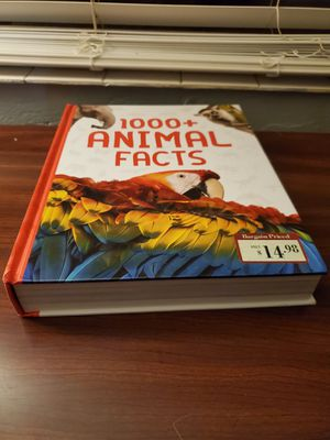 1000+ animal facts book $9 for Sale in Belleair, FL