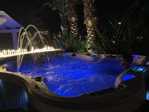D1 Amore Bay Hot tub! Brand NEW, FULL WARRANTY for Sale in Scottsdale, AZ