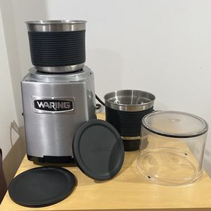 Waring Comercial wsg60 for Sale in Boston, MA