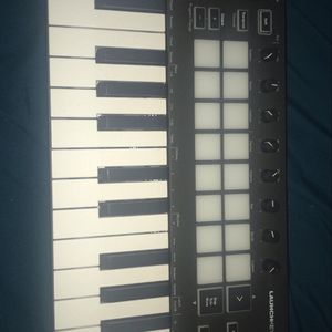 Novation Launckey Mini (MK3) Midi Keyboard for Sale in Queens, NY