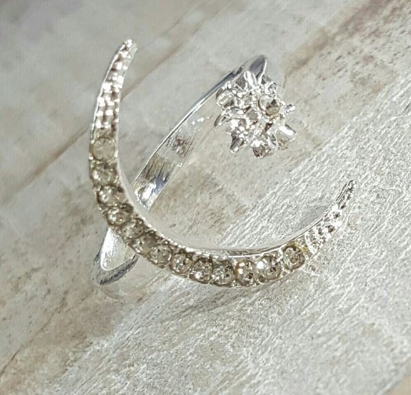 (Local) Moon and Star Ring
