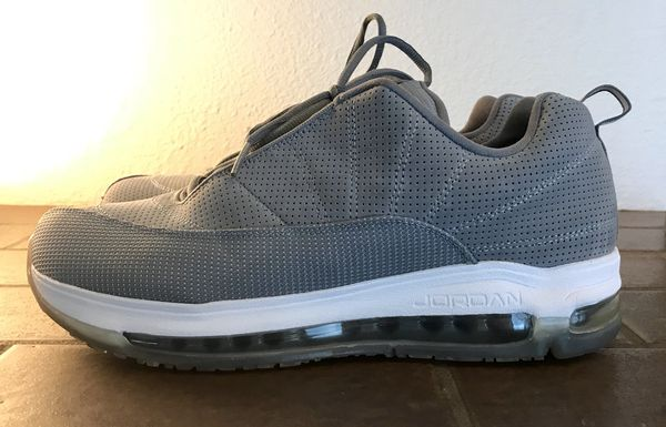 size 40 202e5 a6f52 Nike Jordan CMFT VIZ Air Max 12 Cool Grey - Barely Used- Size 10.5 for Sale  in Renton, WA - OfferUp