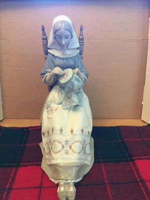 Lladro figurine of women stitching (Insular Embroideress) for Sale in Gilbert, AZ