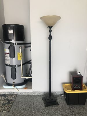 Floor lamp for Sale in West Richland, WA