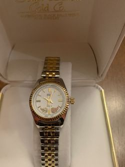 Woman's Black Hills Gold Watch for Sale in Aurora,  CO