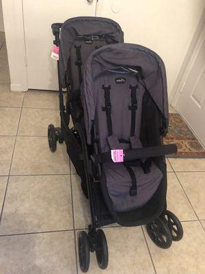 Evenflo double stroller for Sale in Heathrow, FL