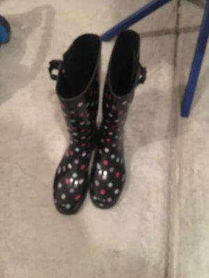 SZ 9 women's rain boots for Sale in Durham, NC