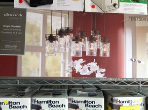 8 light chandelier New! for Sale in Altamonte Springs, FL