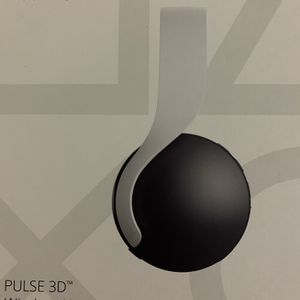 Sony Pulse 3D Headset PlayStation 5/4 Used for Sale in Fairfax, VA