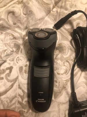 Phillips Norelco. 3 Blade Trimmer for Sale in Springfield, VA