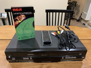Toshiba SD-V295KU DVD Player VCR RecorderCombo Hi-Fi w/ Remote Cable Blank VHS for Sale in Fremont, CA