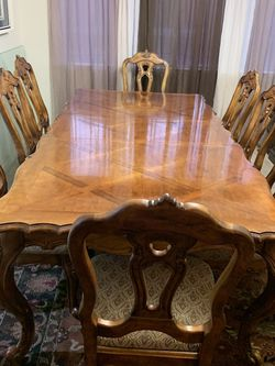 High Quality Solid Wood Dining Table With One Leaf And 8 Sturdy Chairs Excellent Condition Like New for Sale in Las Vegas,  NV