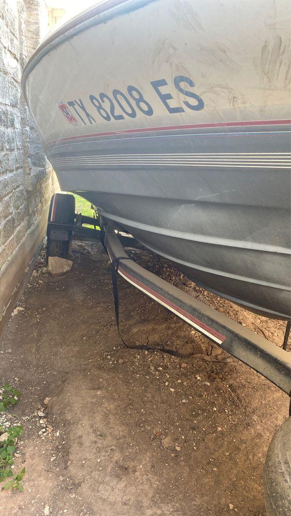 19ft Bayliner Boat