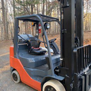 Toyota 6000lb Forklift for Sale in Dallas, GA