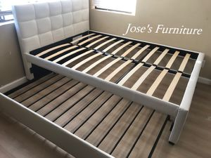 White Full Size Bed with Twin Trundle (Mattresses Included) for Sale in Paramount, CA