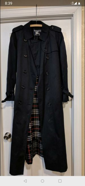 Women's size 10 Burberry trench coat for Sale in Thornton, CO