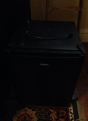 Mini fridge. Works perfectly for Sale in Columbus, OH