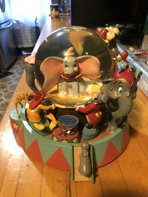 Rare Disney Dumbo 🐘 snow globe for Sale in Brooklyn, NY