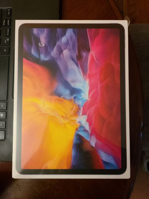 Apple iPad Pro 11-inch (2nd Generation) Wi-Fi 128GB - Space Gray for Sale in Lakewood, CO